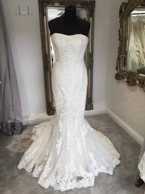 Lace dress – Size 12 dress – Evesham - 7