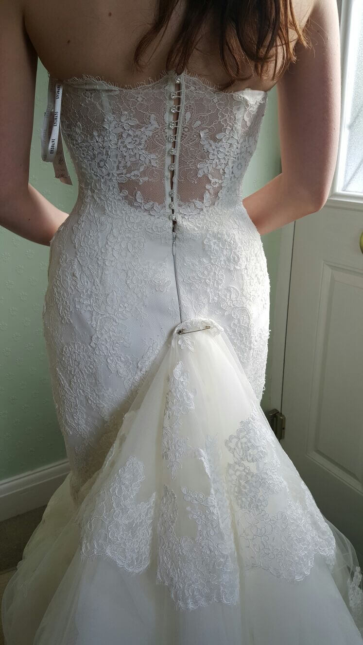 Enzoani - Size 6 dress - Berkhamsted - Preloved Wedding Dresses