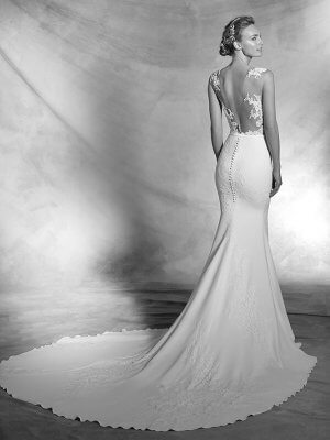Pronovias – Size 6 Fishtail dress | Second hand wedding dresses MANCHESTER - 2